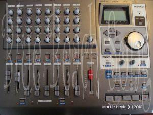 Digital 8-Track Recorder